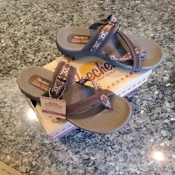 NWT Skechers Reggae Trailway Sandals NWT